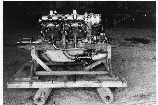 1917-019-moteurC695AD87-C3BF-912E-C54A-B6C474B2A6EB.jpg