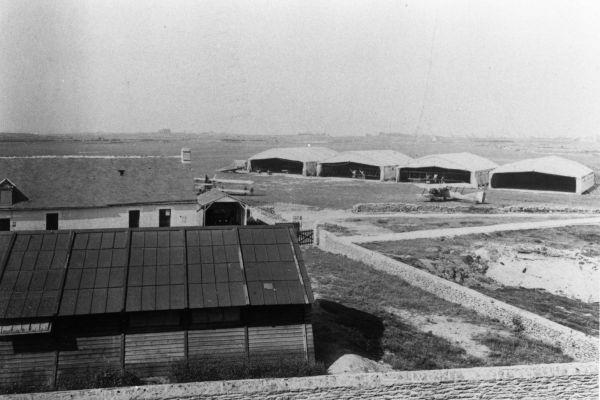 1917-05-les-hangars58083892-BCFC-610D-B483-A0F37C439617.jpg