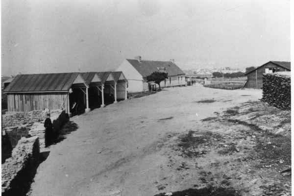 1917-06-les-hangars588F8740-BF8A-2E29-A26D-4AA00B602E4E.jpg