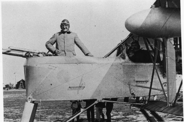1917-12-les-avions6EA6B826-19B1-AE99-3BE9-28829ED7E1AE.jpg