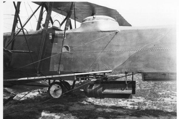 1917-15-bombe4759E8EC-D28B-8404-AB08-6E9901A6DF3B.jpg