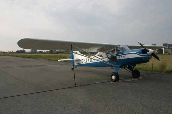 2004-09-09-husky-c67804228-75B4-29AD-DAAA-083D0D218659.jpg